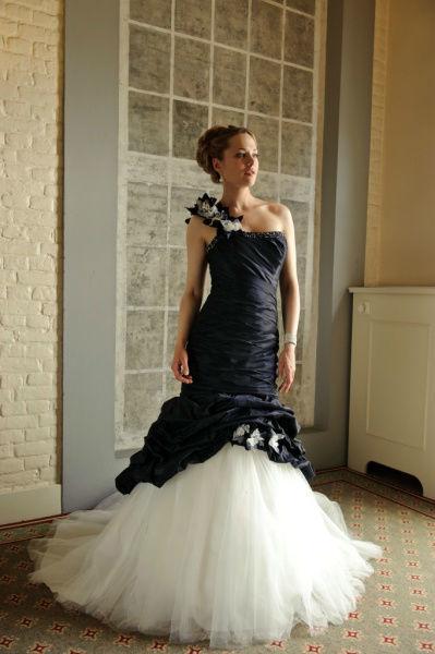 Beispiel: Individuelle Brautmode, Foto: Bea's Brautmode.