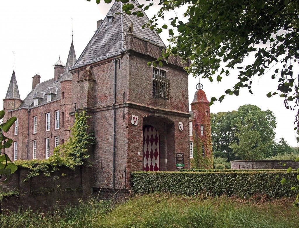 Buitenaanzicht Slot Zuylen