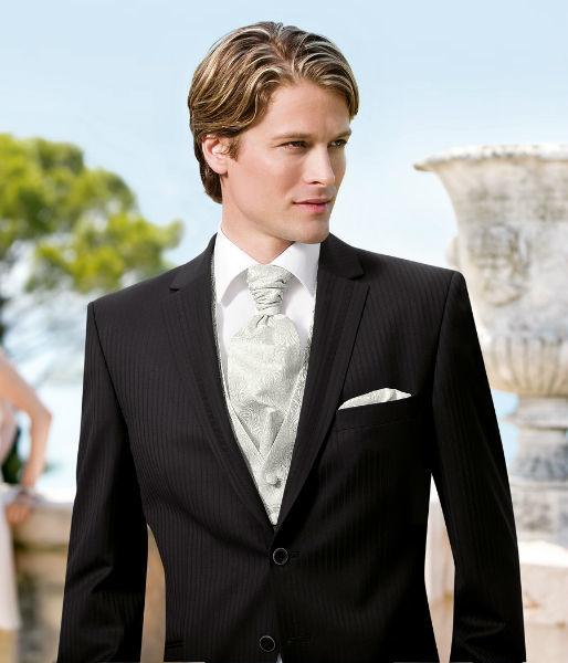 Beispiel: Mode für den Bräutigam, Foto: ANZUGKULTUR.