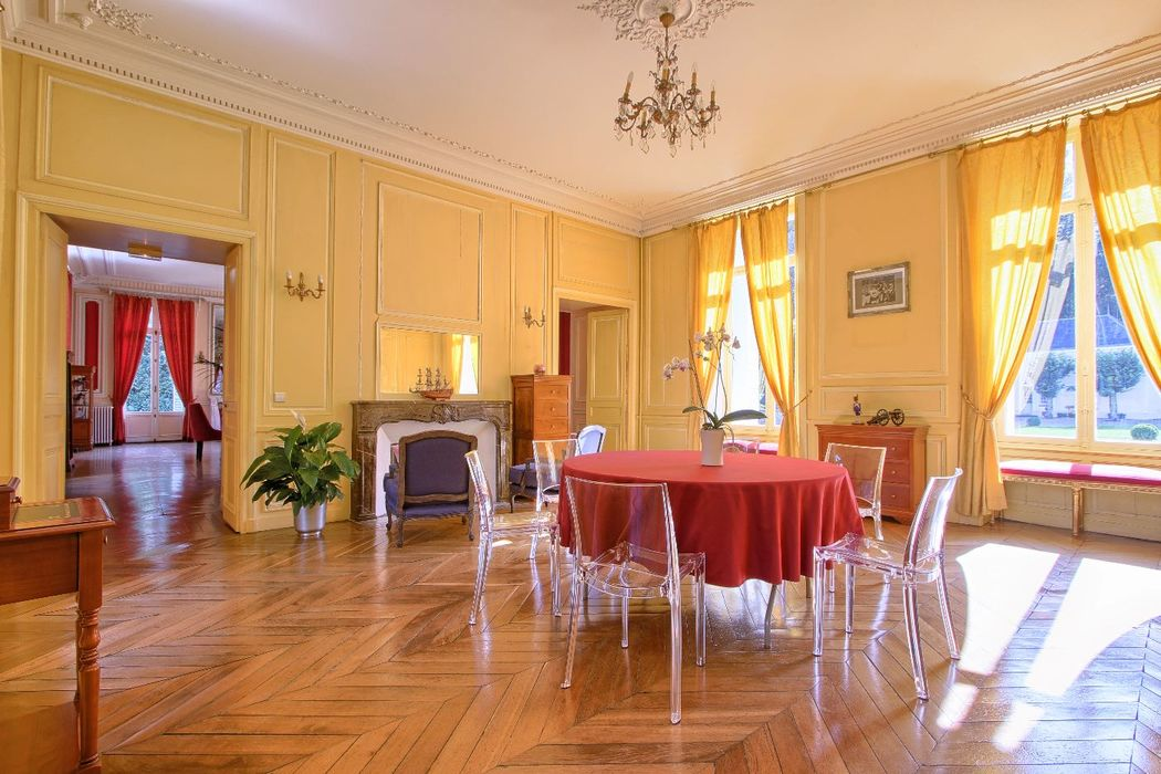 le Salon Jaune - Château de Villiers Cerny