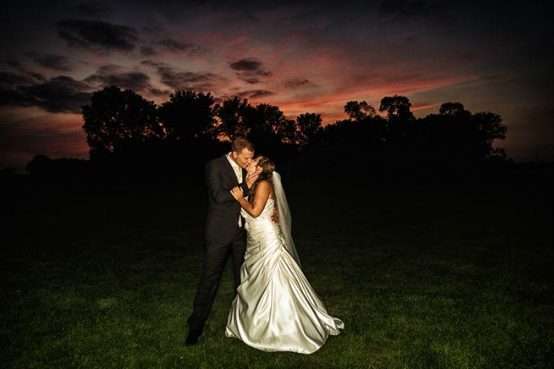 Beispiel: Fotos von Braut und Bräutigam, Foto: Chris Yeo Photography.