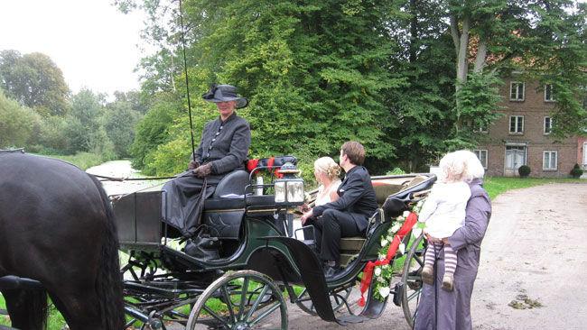 Beispiel: Geschmückte Hochzeitskutsche, Foto: Hochzeitskutschen-Mieten.de.