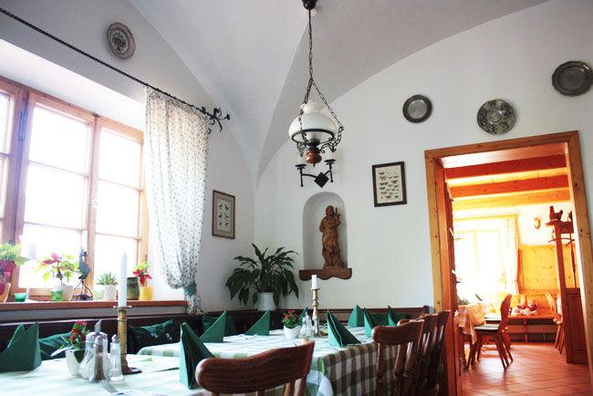 Beispiel: Restaurant, Foto: Landgasthof Berg.