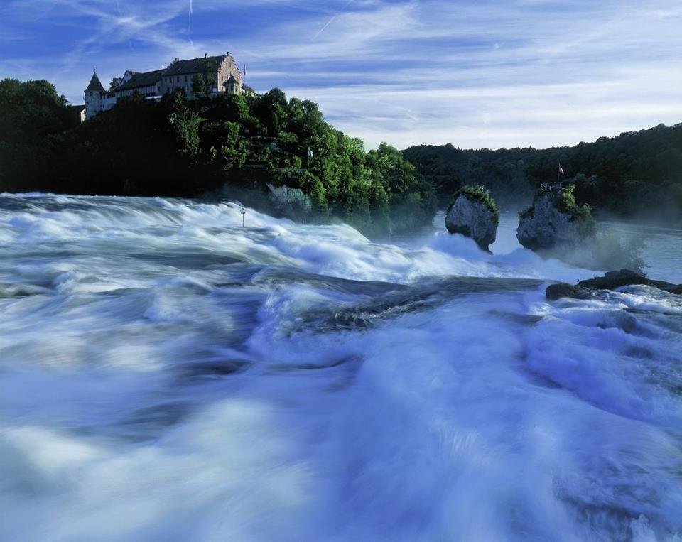 Beispiel: Aussenansicht / Wasserfall, Foto: Schloss Laufen.