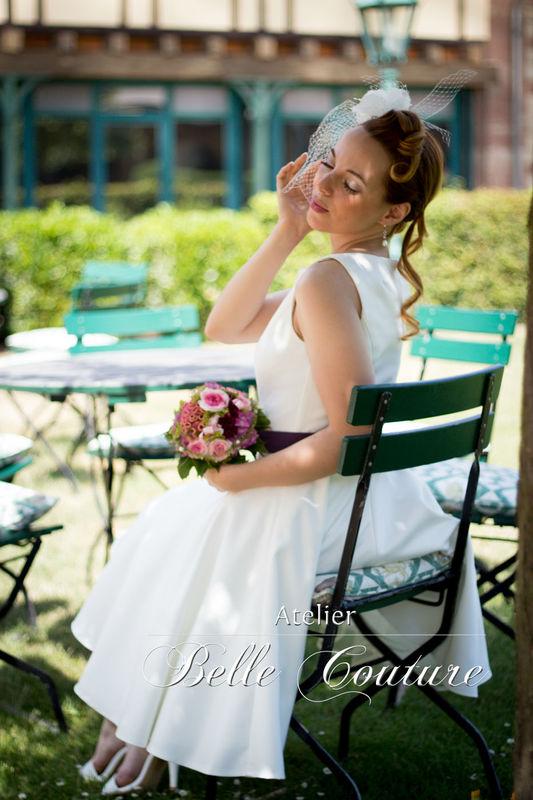 schlichtes Petticoat Brautkleid mit U-Bootausschnitt
