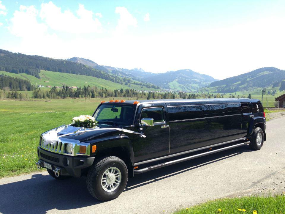 Beispiel: Ihr persönliches Hochzeitsauto, Foto: Krystal Limousines.