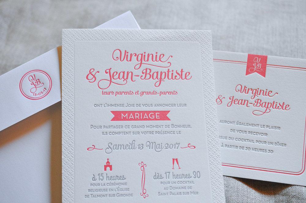 Faire-part Macaron couleur Corail, imprimé en Letterpress sur papier Coton, avec invitation et enveloppe monogrammée