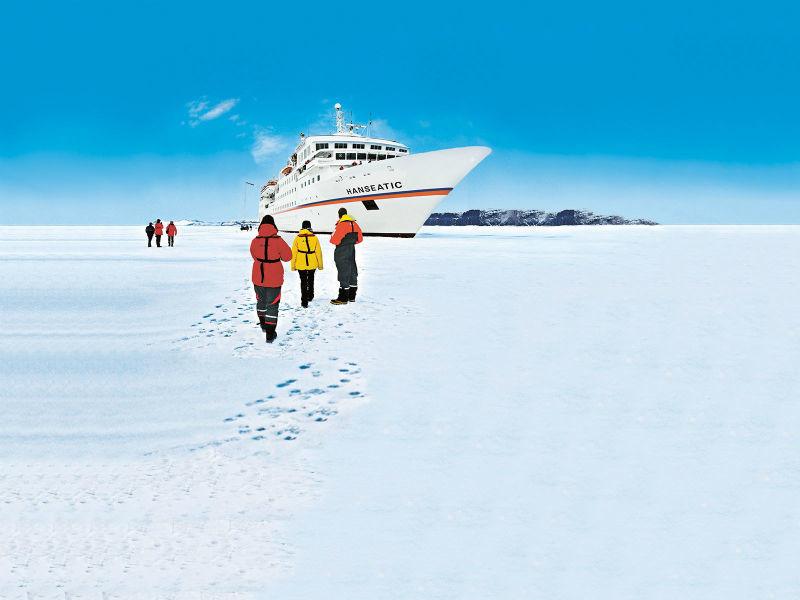 Beispiel: MS Hanseatic Arktis, Foto: Hapag-Lloyd Kreuzfahrten.