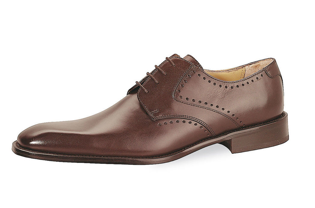 Beispiel: Schuhe für den Mann, Foto: Fabula Herrenmode.