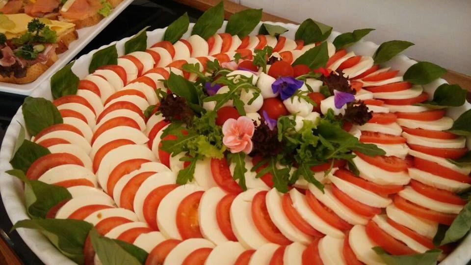 Beispiel: Kulinarische Impressionen, Foto: Schlosshotel Eybar.