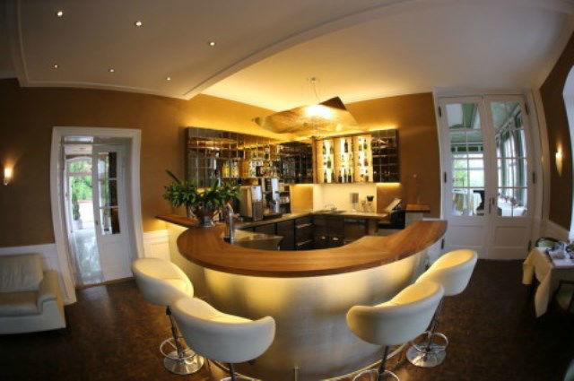 Beispiel: Bar, Foto: Schlosshotel Molkenkur.