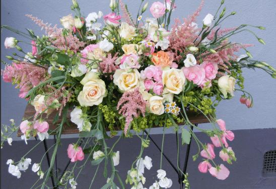 Beispiel: Blumendekoration, Foto: Nymph Blumendesign.