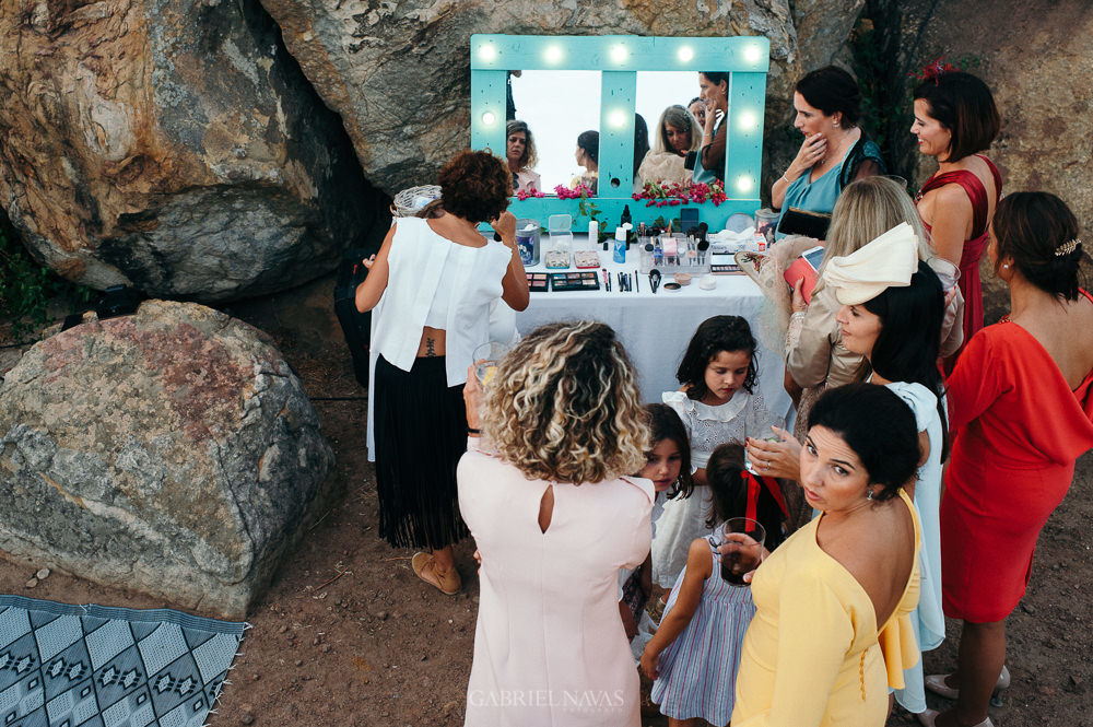 retoque de maquillaje en la boda