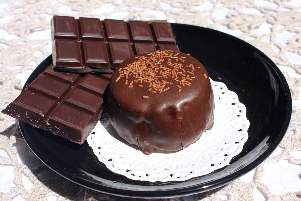 Bomboca com recheio de chocolate