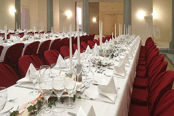 Beispiel: Tischdekoration, Foto: Landgasthof Wartegg.