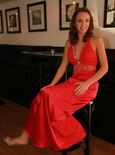 Beispiel: Farbige Hochzeitskleider, Foto: Traut euch Brautsalon.