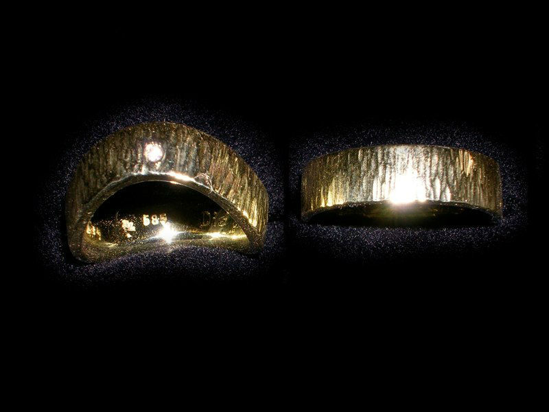 Beispiel: Individuelle Trauringe, Foto: Meistergoldschmiede Silver & Gold.
