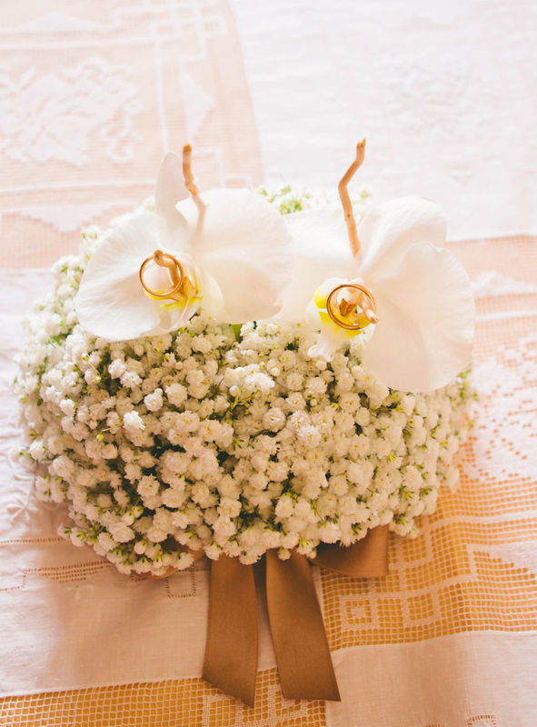 Danila Olivetti - cuscino portafedi  floreale