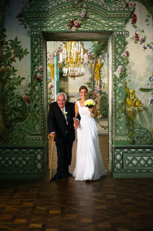 Beispiel: Einzug der Braut mit ihrem Vater, Foto: the wedding planner.