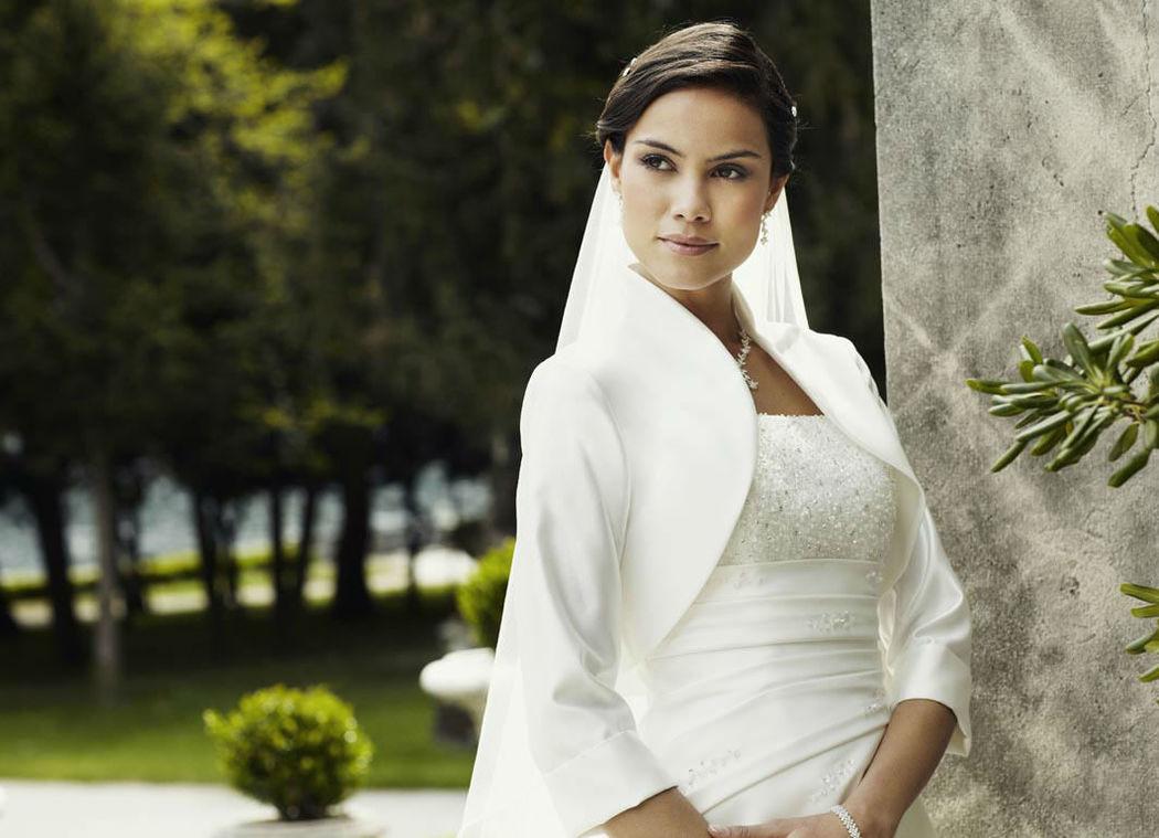 Beispiel: Wunderschöne Brautmode, Foto: Magy's Brautmode.