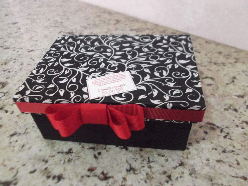 caixa para 8 doces.