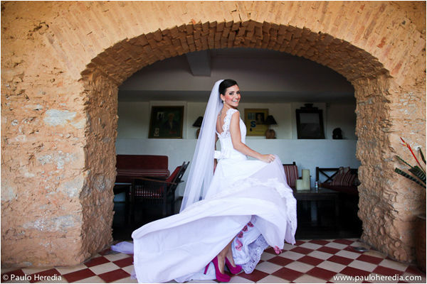 Magali Vieira Alta Costura. Noiva: Aline Rajão. Foto: Paulo Heredia