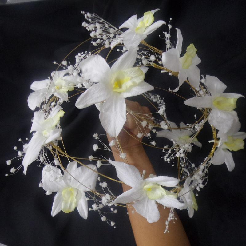 Flor de Cór - buquê de fios banhados a ouro com orquídeas naturais preservadas