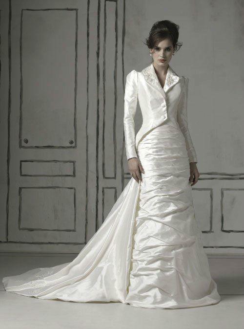 Beispiel: Individuelle Hochzeitskleider, Foto: Chez Janine.