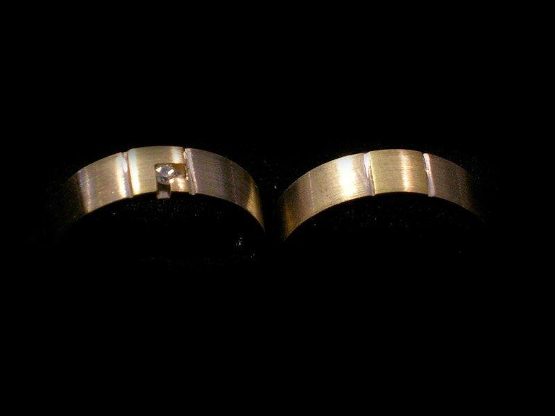 Beispiel: Eheringe, Foto: Meistergoldschmiede Silver & Gold.