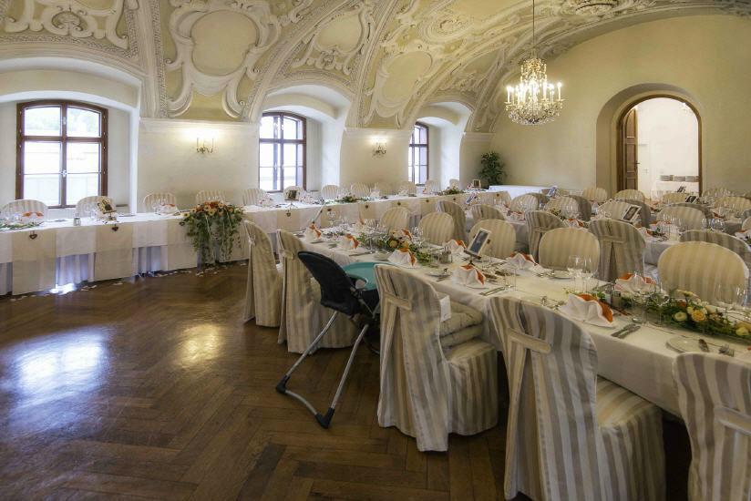 Beispiel: Hochzeitsgedecke, Foto: Kartause Gaming.