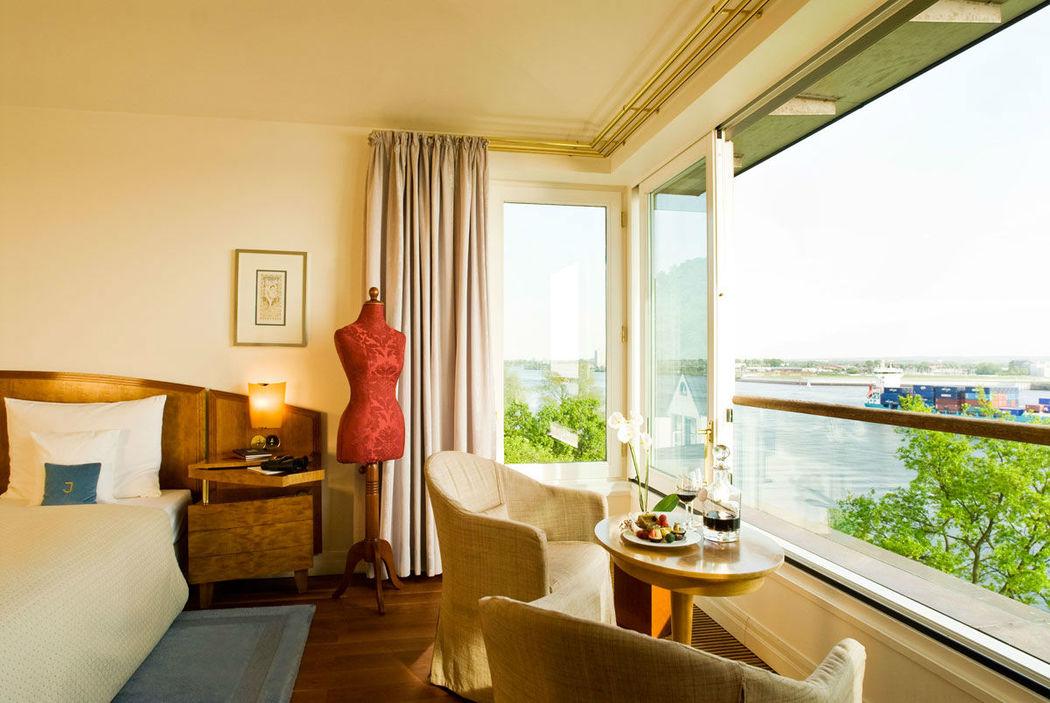 Beispiel: Hafenzimmer, Foto: Hotel Louis C. Jacob.