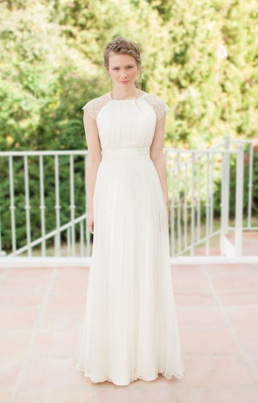 Beispiel: Brautkleid - Sadoni Couture, Foto: La Promesse Braut- und Abendmode.