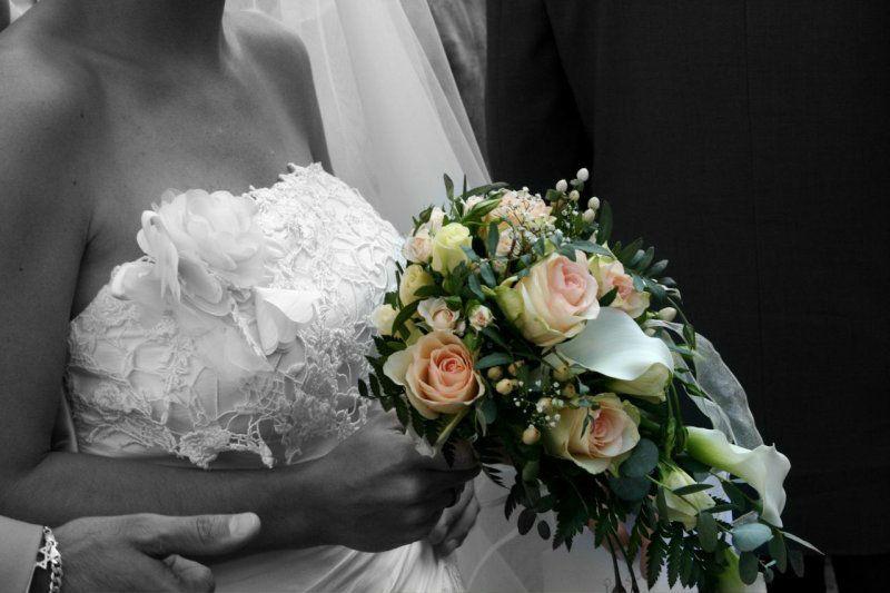 Beispiel: Detailaufnahme Brautpaar, Foto: Internet.