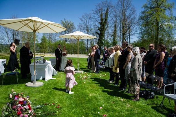 Beispiel: Die Stimme für Ihr Hochzeitsfest, Foto: Tabea Vocal.