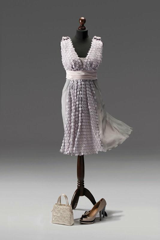 Beispiel: Mode für Hochzeitsgäste, Foto: Tricia Ze.