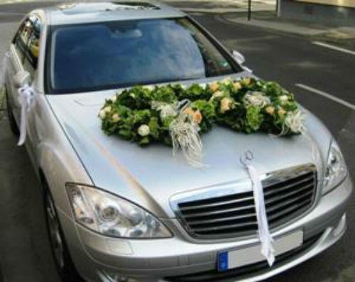Beispiel: Autoschmuck, Foto: Blumen-Boutique Schmitz.