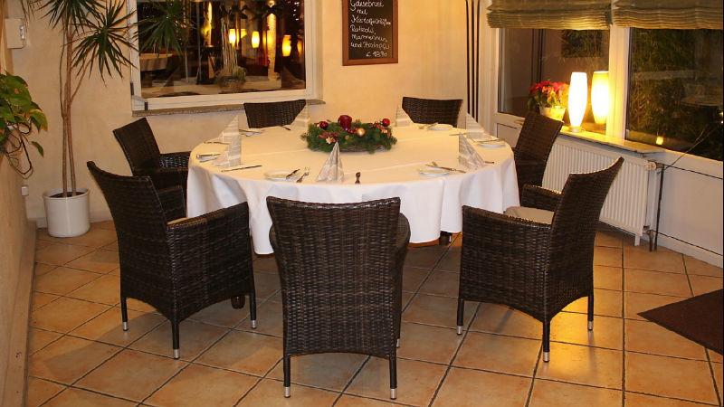 Beispiel: Tisch im Wintergarten, Foto: Gasthof Loers.