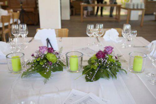 Beispiel: Tischdekoration für die Hochzeit, Foto: Stiel und Blüte.