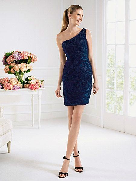 Beispiel: Wunderschöne Kleider, Foto: Liluca Bern Festkleider.