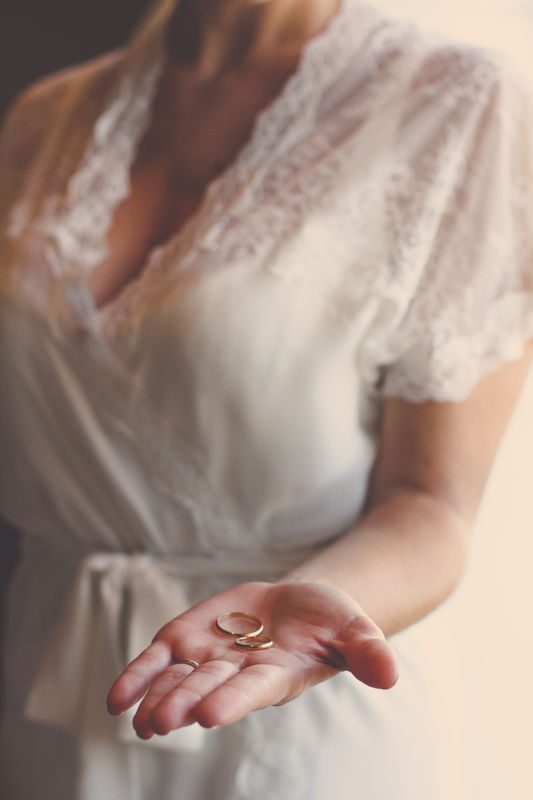 Detalle anillos de Boda.