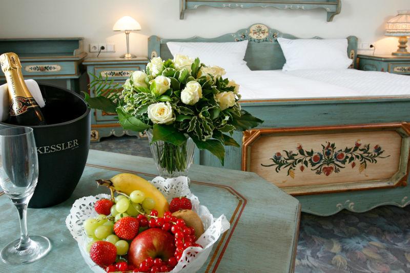 Beispiel: Romantische Hotelzimmer, Foto: Landhaus Wieler.