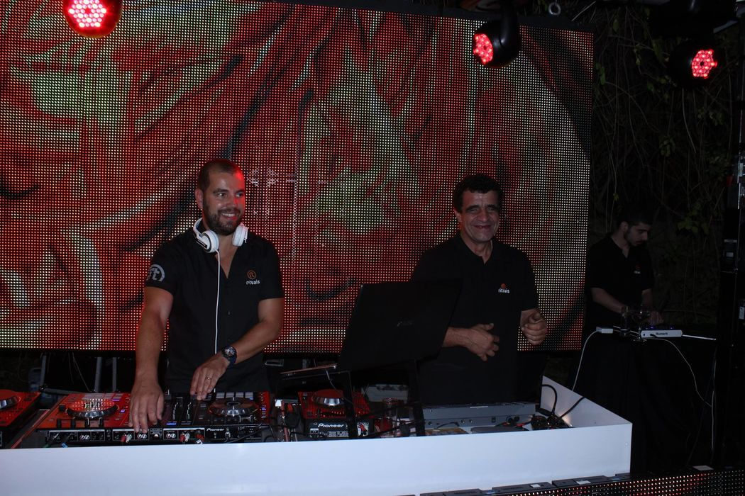 DJ, Led Wall e Luzes | DJ, Led Wall and Lighting