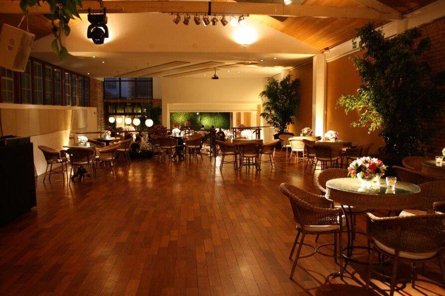 Espaço Festivo Salão Superior - Pista de Dança e Mesas