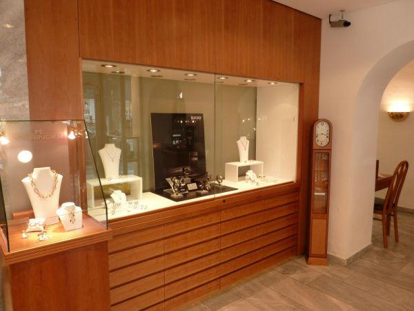 Beispiel: Auslegeware am Benediktinerplatz, Foto: Juwelier Mairinger.