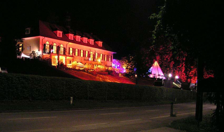 Beispiel: Schloss St. Veit bei Nacht, Foto: Schloss St. Veit.
