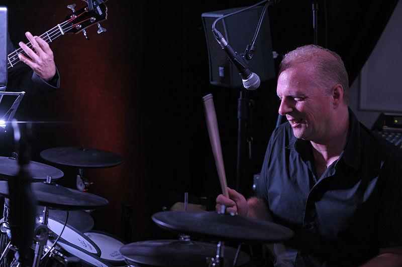 Beispiel: Erich-Schlagzeug, Foto: 4 and a girl.