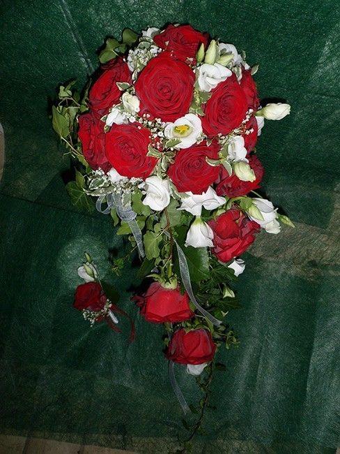 Beispiel: Brautstrauss und Blumenanstecker, Foto: Blumen Katja Lang.