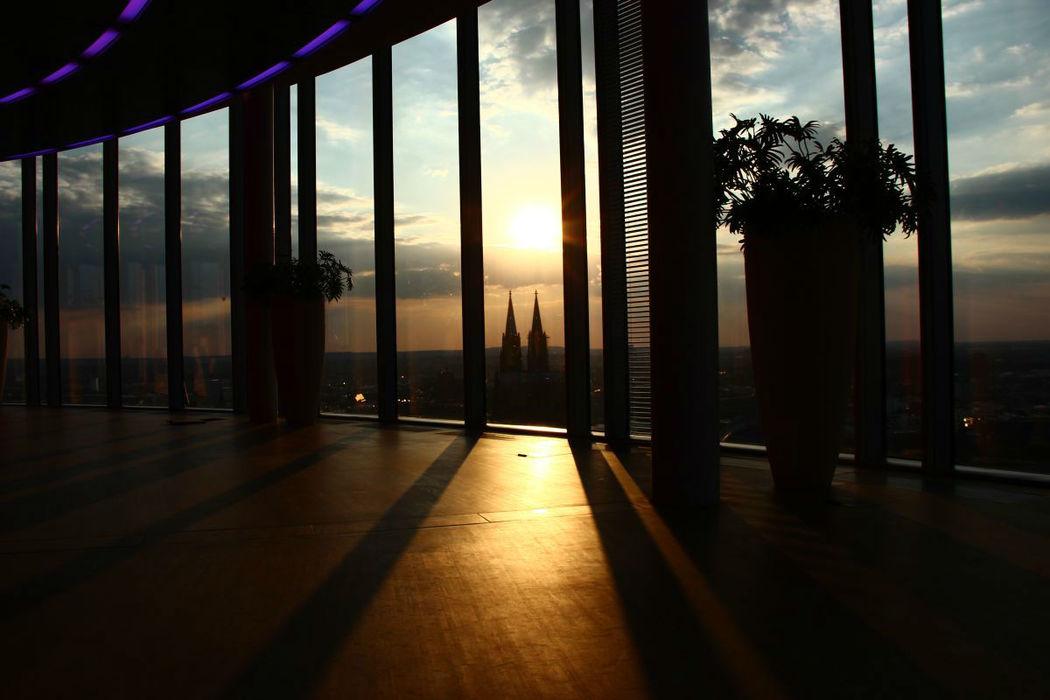 Beispiel: Innenraum mit Aussicht, Foto: KölnSky.