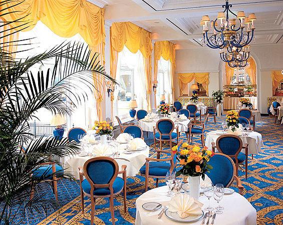 Beispiel: Kurhaus-Restaurant, Foto: Travel Charme Kurhaus Binz.