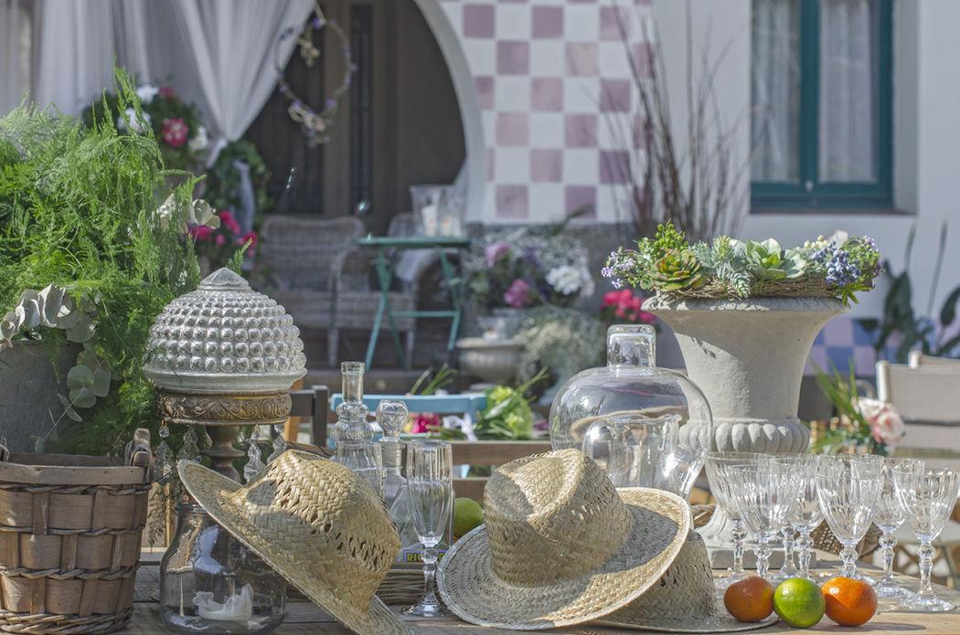 El Jardín. Detalle de Mesas del Jardín decoradas para el gran día.